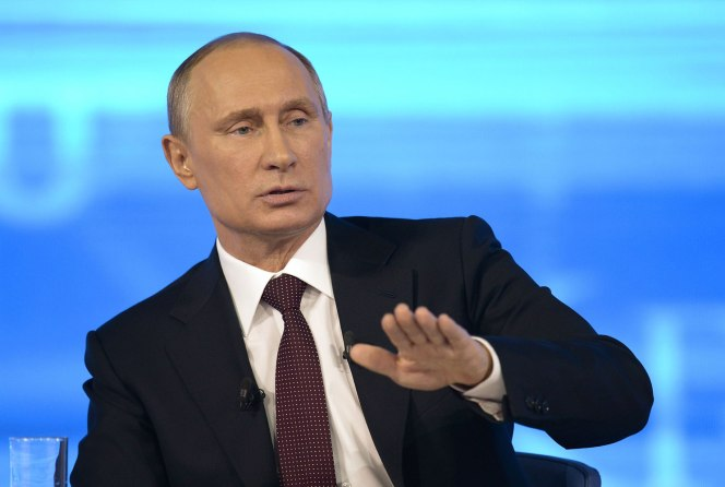 Putin Tells Snowden Russia Doesn't Collect Citizens' Data